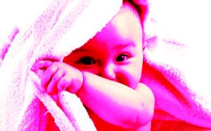 baby using smart phones